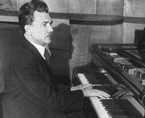 Генрих-Нейгауз-за-роялем