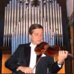 И. Шаповалов - первая скрипка, концертмейстер